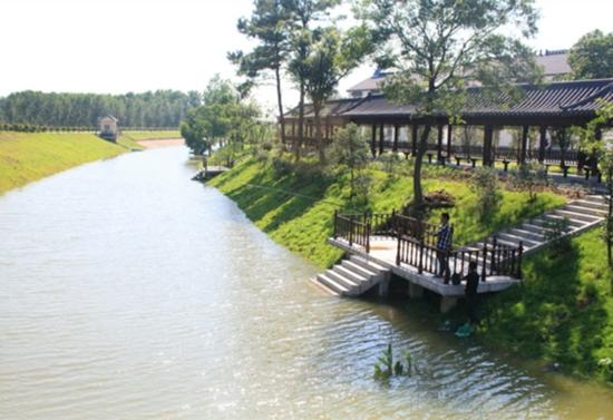 """在核心区环山河水利风景区,""""水文化""""是其最主要的特色,共有大大小小"""
